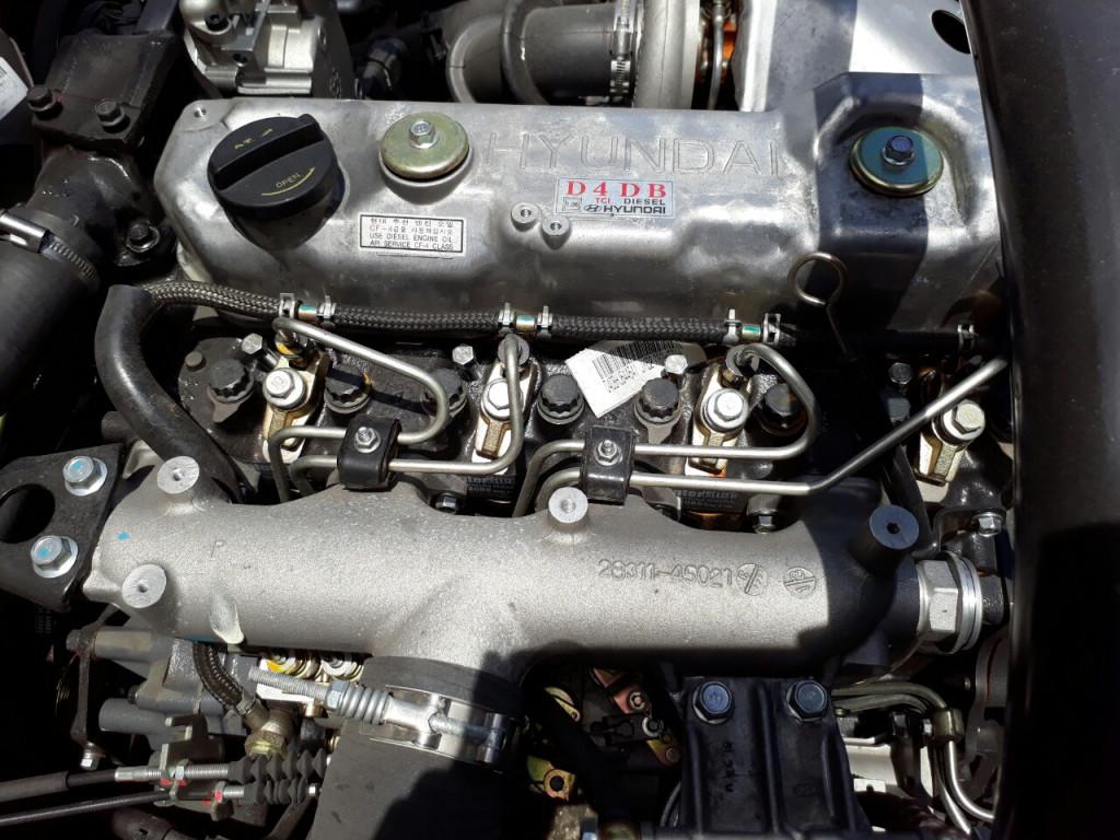Động cơXe Tải Hyundai HD99 6.5 Tấn Thùng Mui Bạt.