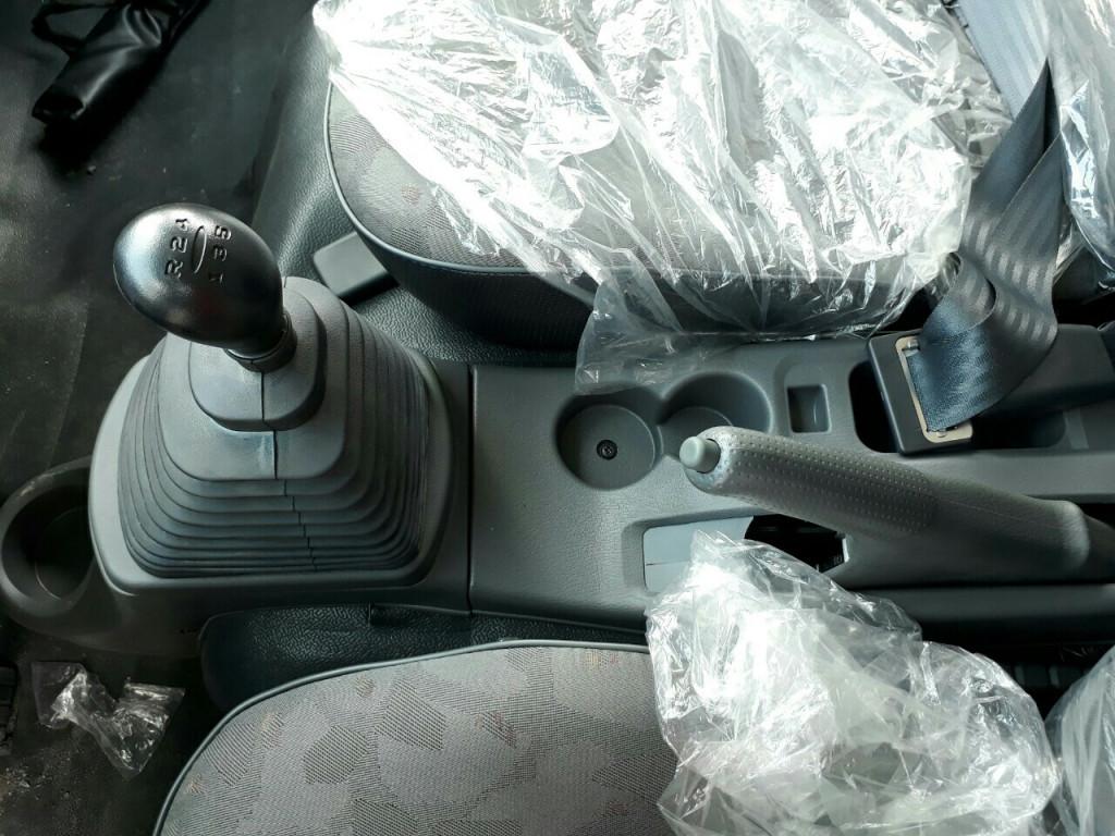 nội thất Xe Tải Hyundai HD99 6.5 Tấn Thùng Mui bạt