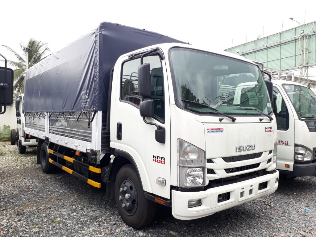 so-sanh-isuzu-3t5-voi-iz68
